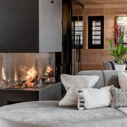 Chalet Bacchus, Courchevel, Consensio - Fireplace