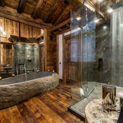 Chalet Marco Polo Master Bathroom