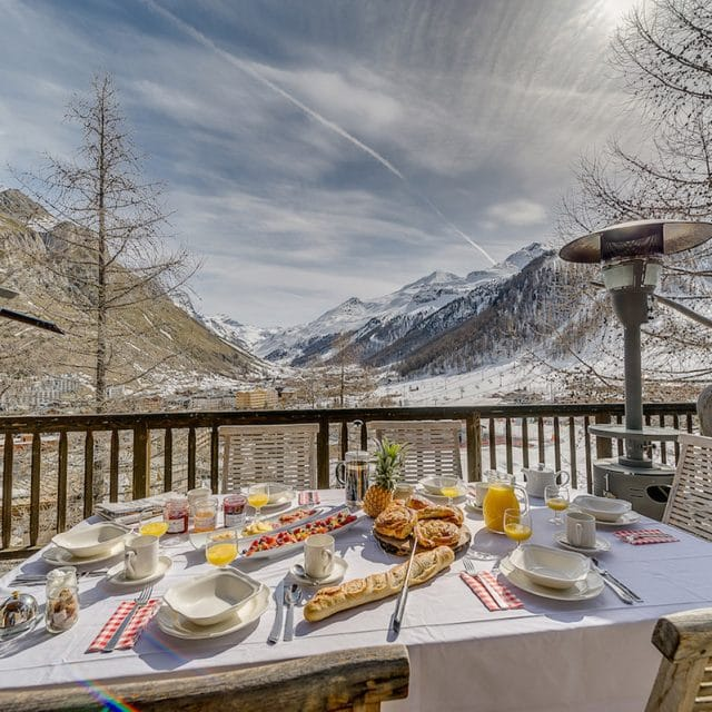 breakfast with a view, mountain breakfast, ski breakfast, indulgence, mountain view