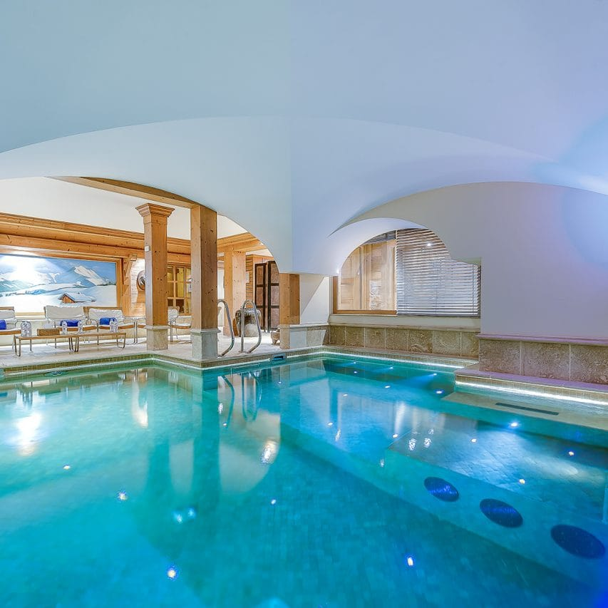 Ski Chalet with a large indoor pool, exceptional finishing