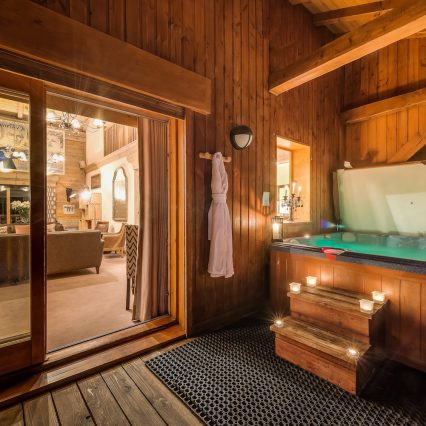 chalet Elephant Blanc Spa jacuzzi hot tub