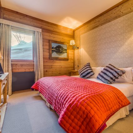 chalet Elephant Blanc bedroom 1