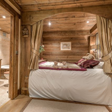 Chalet Chopine Bedroom 1