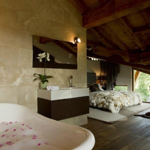 Grande Corniche Les Gets bath
