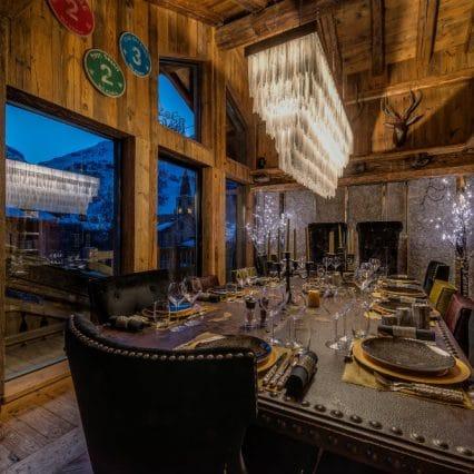 chalet lhotse dining