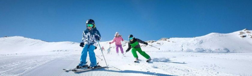 The ultimate guide to happy family skiing.