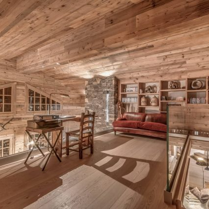 Chalet Le Namaste Courchevel 1850 Mezzanine Office Consensio