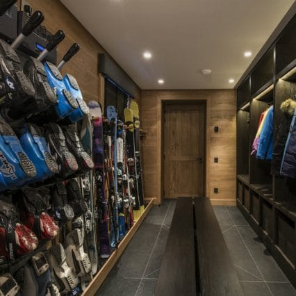 chalet le grenier meribel boot room
