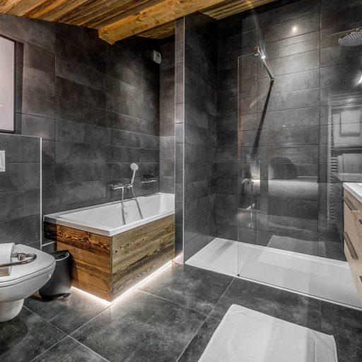Consensio Apartment Ben Nevis Master Bedroom Ensuite 2