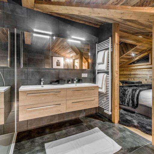 Consensio Apartment Ben Nevis Master Bedroom Ensuite