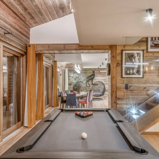 Consensio Apartment Ben Nevis Pool Table