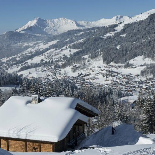 les gets snowy resort