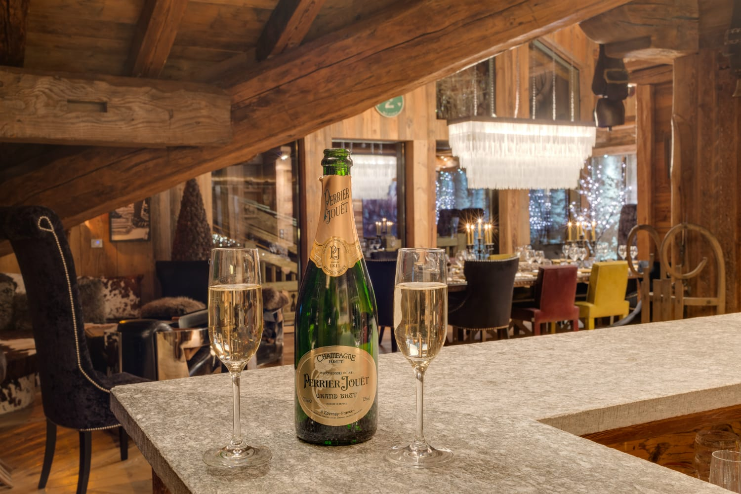 Perrier Jouet in bar of consensio chalet Lhotse