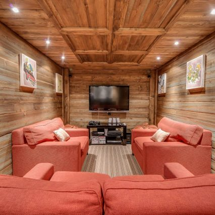 Chalet Chopine Cinema TV Room Meribel - Consensio